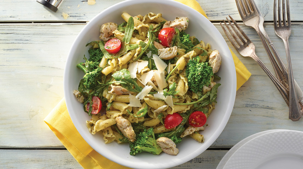 Inspired_20170414_recipe_turkey-pesto-pasta_meal-planning