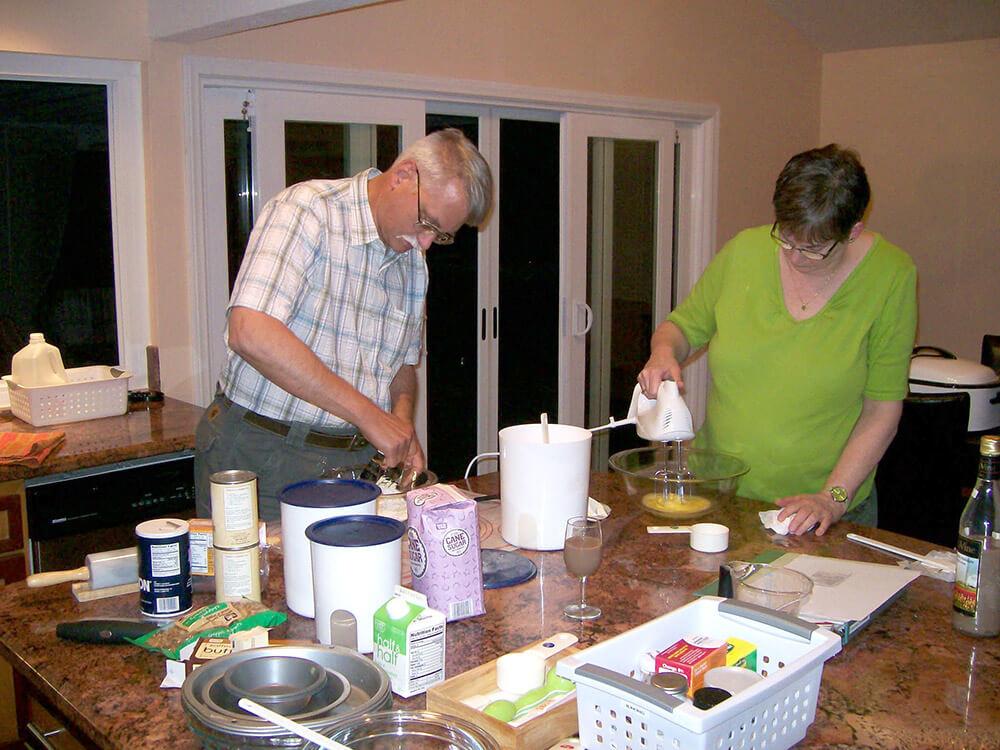 Text-C-C-parents-cooking